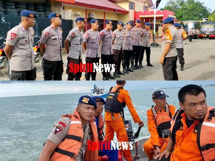 Kabid Humas, Hebat! Gabungan Brimob Bersama Basarnas dan Polair Bone Selamatkan 5 Nelayan
