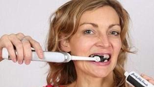 Arang untuk gigi putih