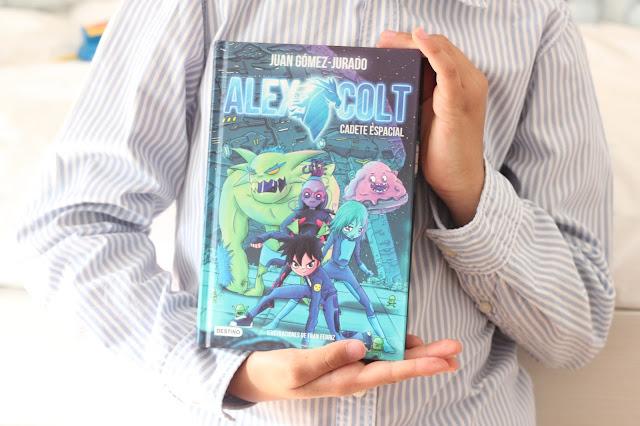 photo-alex-colt-juan-gomez-jurado-lectura-infantil