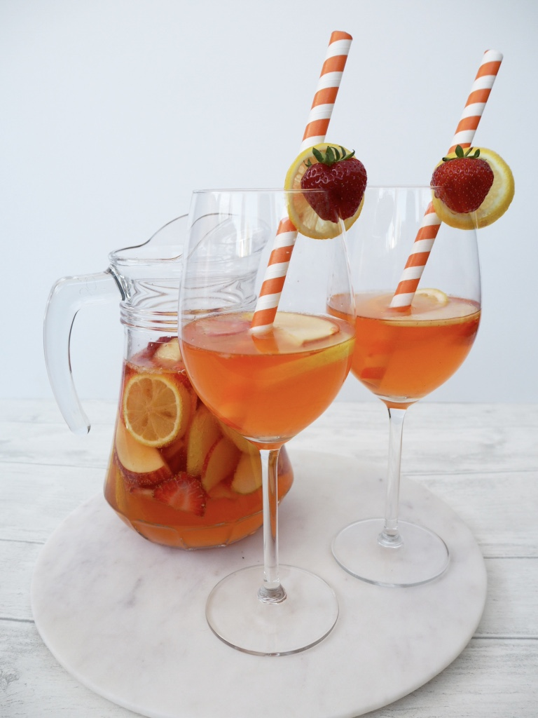 Recipe: White Strawberry and Lemon Sangria
