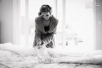 casamento realizado por life eventos especiais na igreja santa teresinha do menino jesus e recepção com projeto de decoração contemporâneo realizado na casa vetro em porto alegre making of noiva