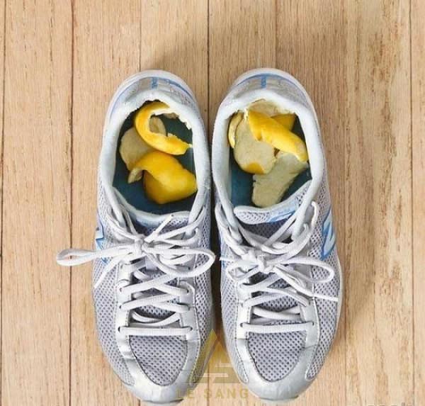 Khử mùi hút ẩm cho giày