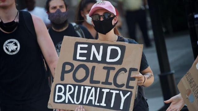 Casa Blanca dice no lamentar represión de manifestantes pacíficos