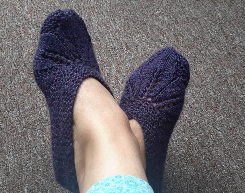 Anything Creative Knitted Slipper Seamless Pattern