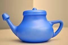 Meminum secangkir teh