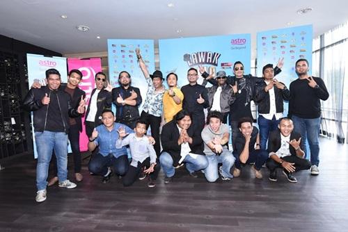 10 peserta lawak solo 2016 musim pertama, hos pengacara lawak solo 2016, gambar peserta lawak solo astro