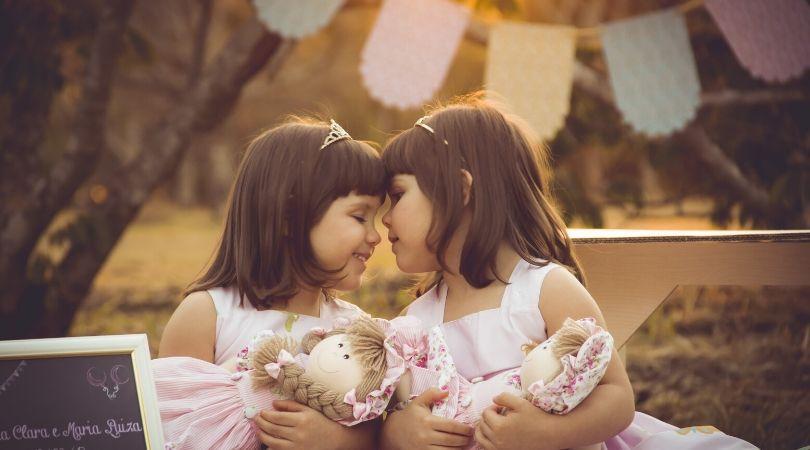 Tanda mimpi punya anak kembar