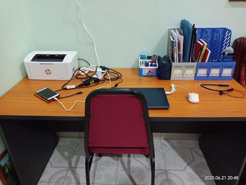Meja Kerja Di Rumah Konsep Minimalist