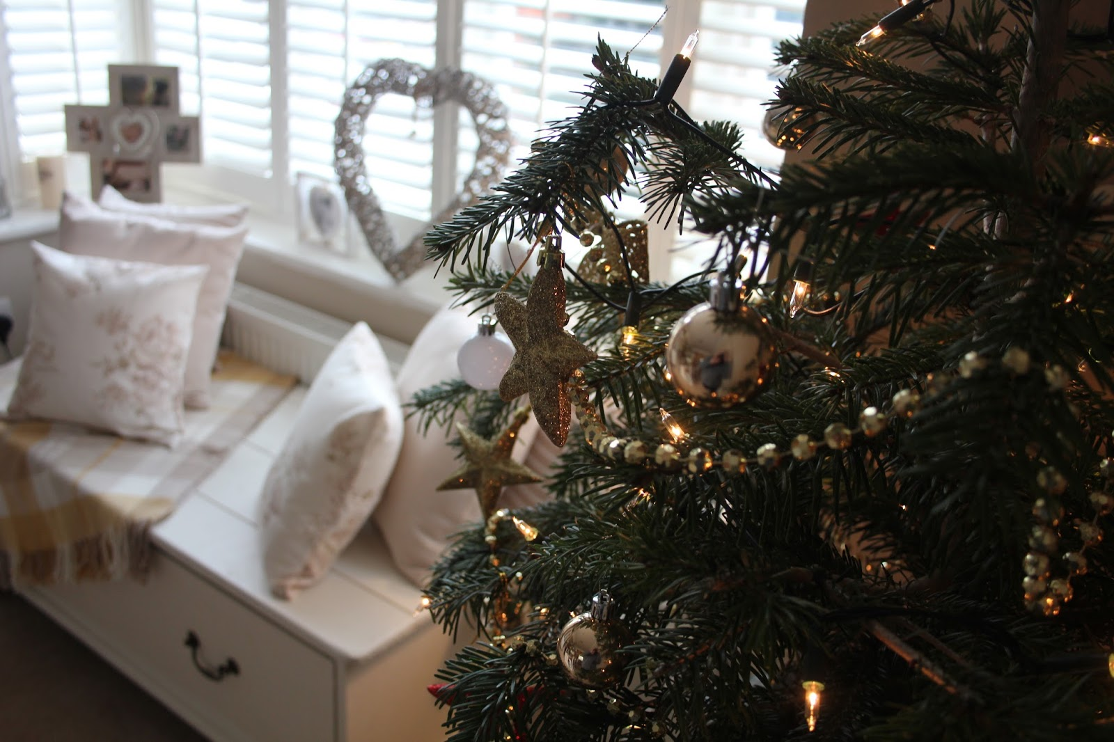 As My Blog Post Yesterday Thehomethatjingled Has Taken Off So Well Ive Loved Seeing All Your Beautiful Homes Decorated For Christmas