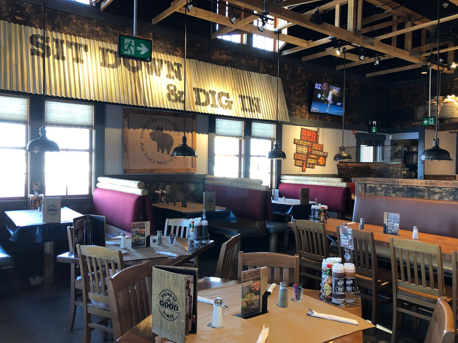 Teena in Toronto: Montana's BBQ & Bar, Winnipeg, MB
