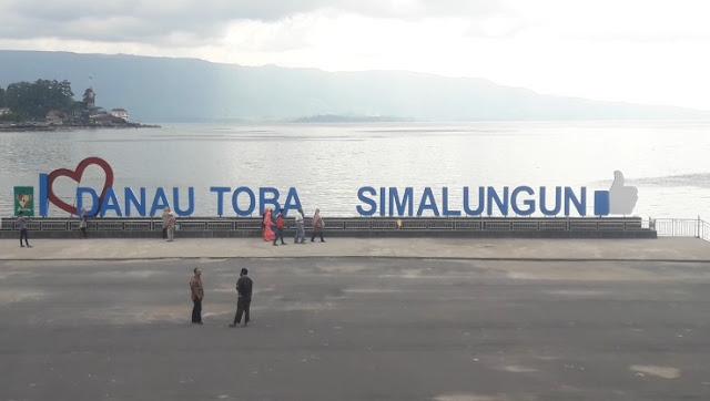 PANTAI BEBAS PARAPAT, Simalungun, Sumut - Destinasi Wisata Alam Danau Toba yang Indah