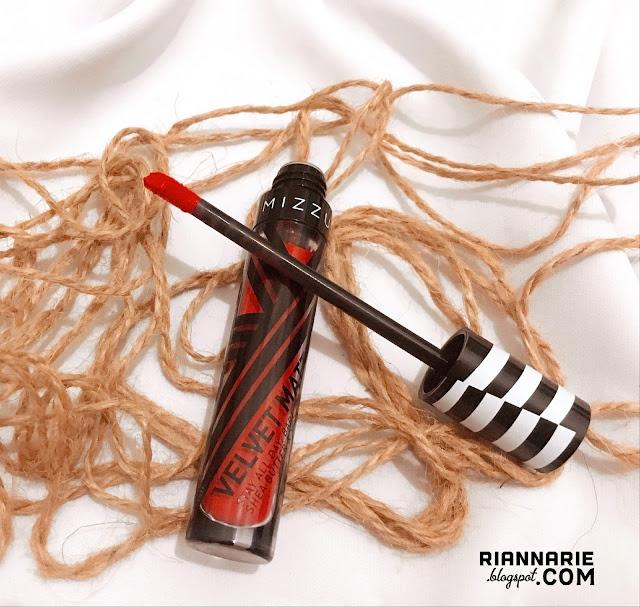 www.riannarie.blogspot.com