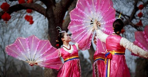 Dança em celebração do ano novo chinês (ou festival da primavera)