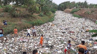 Lautan Sampah Kali Jambe Bekasi, Dinas Lingkungan Hidup Kabupaten Bekasi Tunggu Alat Berat