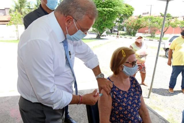 Bahia ultrapassa a marca de 1 milhão de baianos vacinados contra a Covid-19