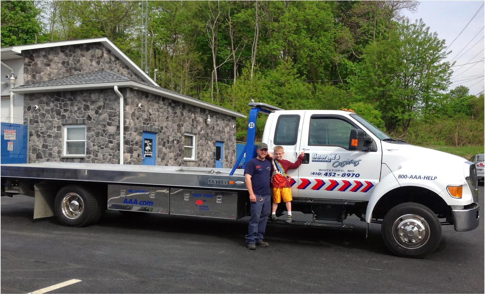 Employee at George's Custom Towing
