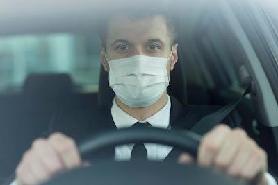Perlukah Memakai Masker Ketika Sendirian Didalam Mobi Kaum Rebahan IDl
