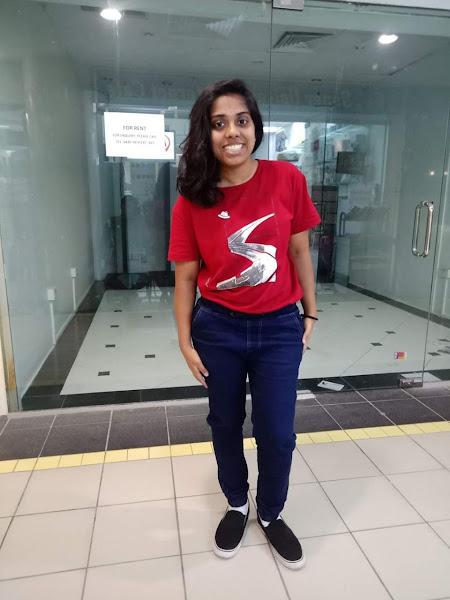 Tamil Hot Girl Selfie Pics