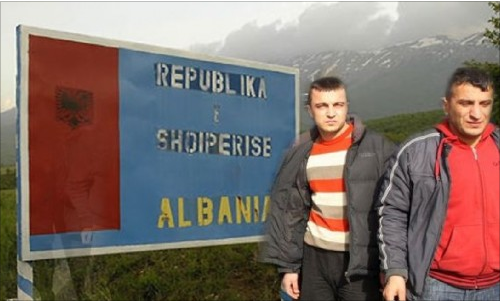 Γιατί φεύγουν άρον άρον οι Αλβανοί από την Ελλάδα; [photo]
