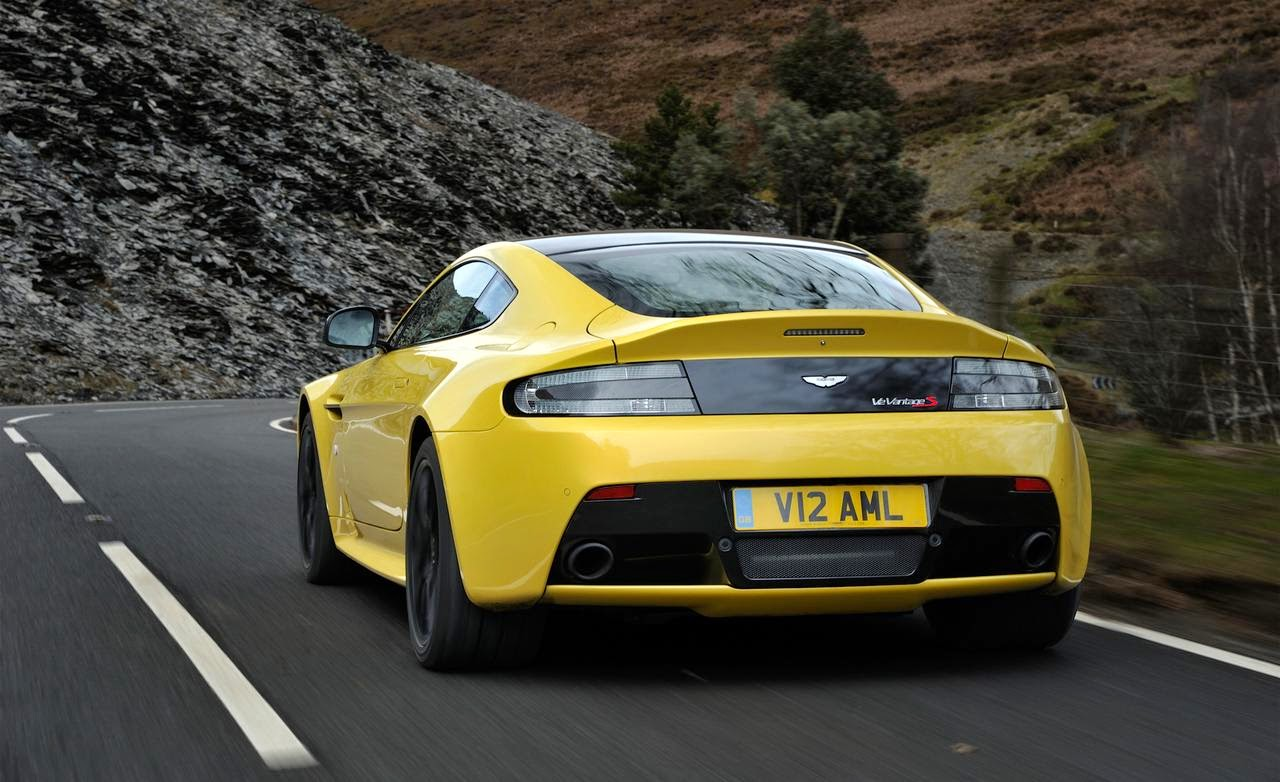 2015 New Aston Martin V12 Vantage Wallpaper
