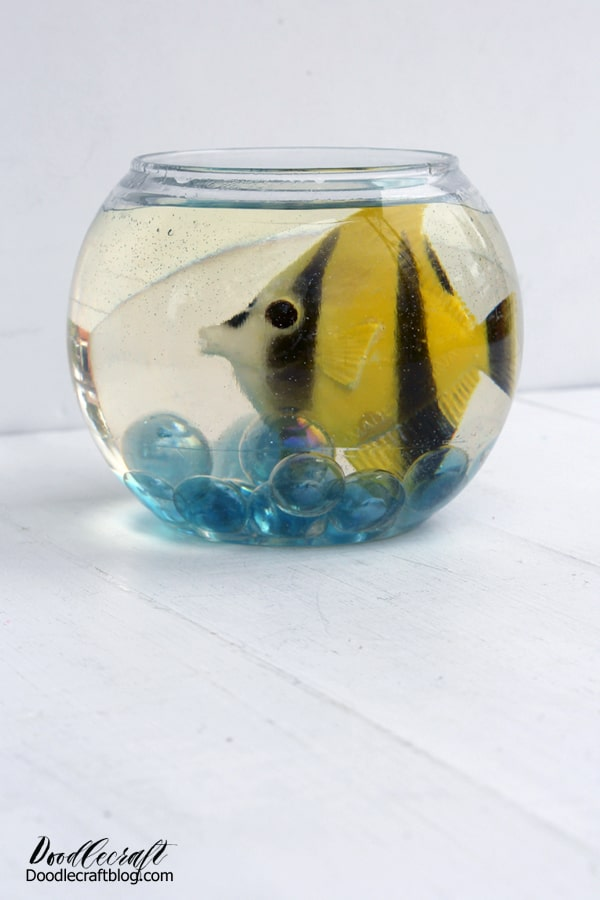 Resin Fish Bowl Easy Pet DIY Fish are the only pet that we can own…because of our especially horrible animal allergies.  It got me thinking that it would be fun to make a resin fishbowl, then it's the perfect pet that needs no attention or care.    Little fish bowls would make a cute table centerpiece, fun for an animal themed party or a carnival set up.