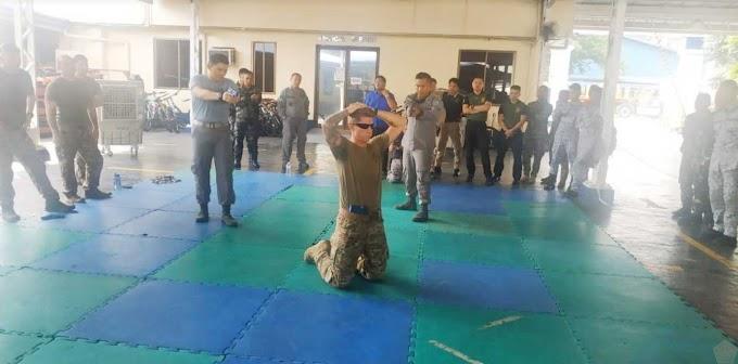 Pengawak Bakamla RI/IDNCG Latihan VBSS Dengan Philipine Coast Guard