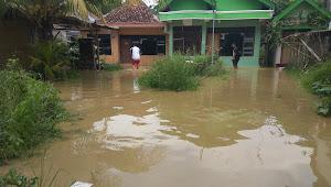 Ratusan Miliar Dana Normalisasi Tak Mampu Bendung Banjir