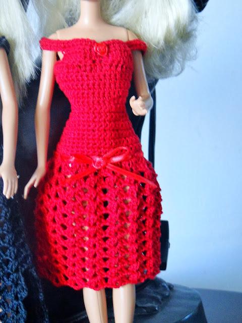 Vestidos e Sapatos de Crochê Para Barbie - Por Pecunia MillioM
