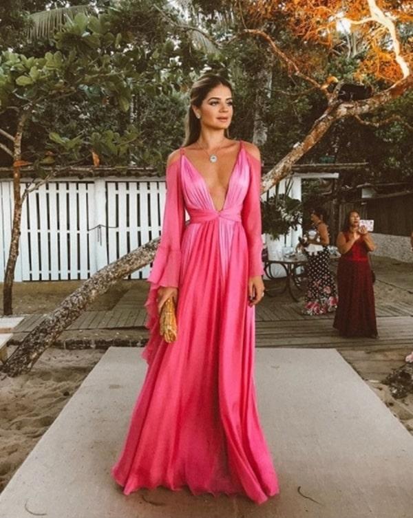 Thassia Naves vestido longo para madrinha de casamento na praia