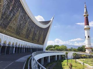 Masjid Raya Sumatera Barat, Tampilkan Arsitektur Lokal dengan Konstruksi Masjid Tahan Gempa