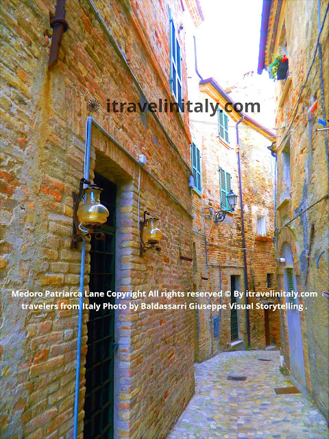 I Travel in Italy, introduce you; Medoro Patriarca Lane @grottammare Copyright All rights reserved © By itravelinitaly.com travelers from Italy Photo by Baldassarri Giuseppe Visual Storytelling .