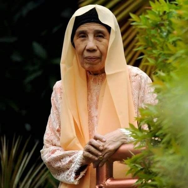 Biografi Tiga Wanita Hebat Pembendung Pemikiran Liberal di Nusantara