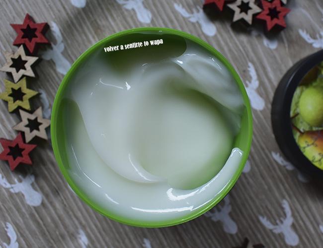 Body Yogurt de Pera - Edición de Navidad de The Body Shop