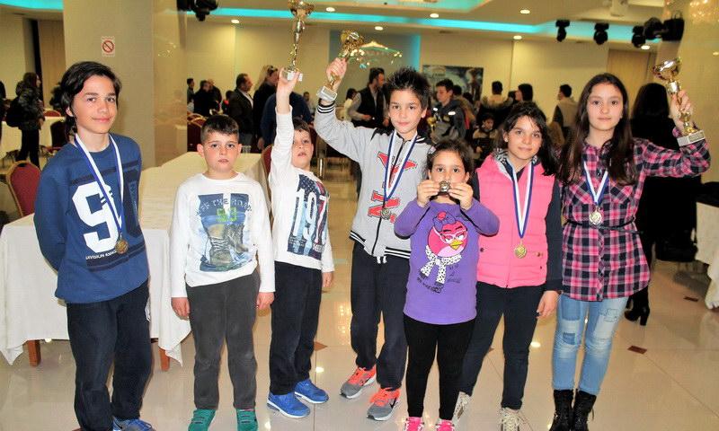 Εννιά Εβρίτες μαθητές και το 3ο Δημοτικό Φερών στους τελικούς του Πανελλήνιου Σχολικού Πρωταθλήματος Σκάκι