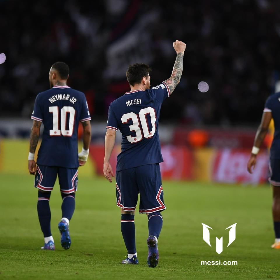 Leo đạt mục tiêu ghi bàn thắng liên tiếp trong 17 mùa giải Champions League