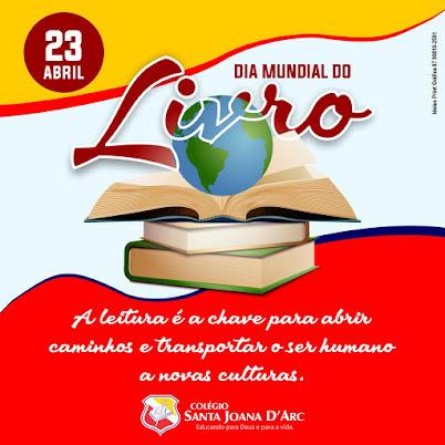 Alunos do Colégio Santa Joana D'Arc vivenciam o Dia Mundial do Livro.