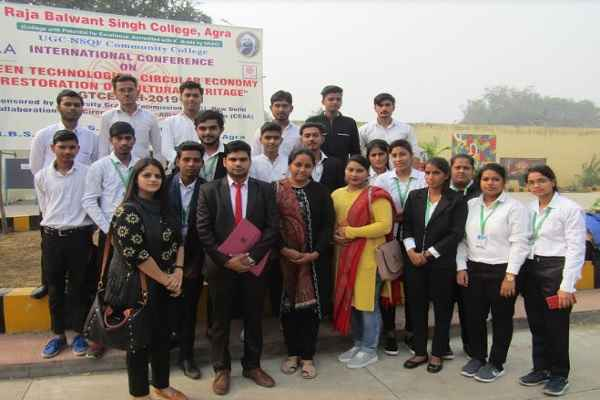 pandit-lr-college-student-participate-international-conference-agra