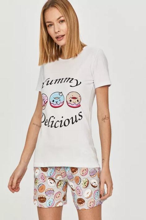 Pijama de dama cu pantaloni scurti si tricou