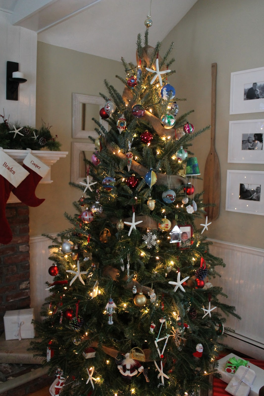 Beach Chic: A Coastal Christmas Tree & DIY Starfish Ornament