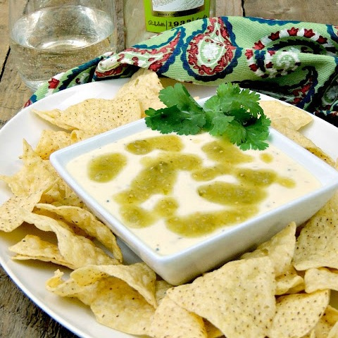 Slow Cooker Queso Blanco Dip with Salsa Verde from www.bobbiskozykitchen
