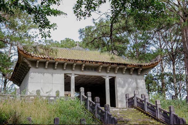 Lăng mộ bí ẩn thành điểm check-in hot ở Đà Lạt