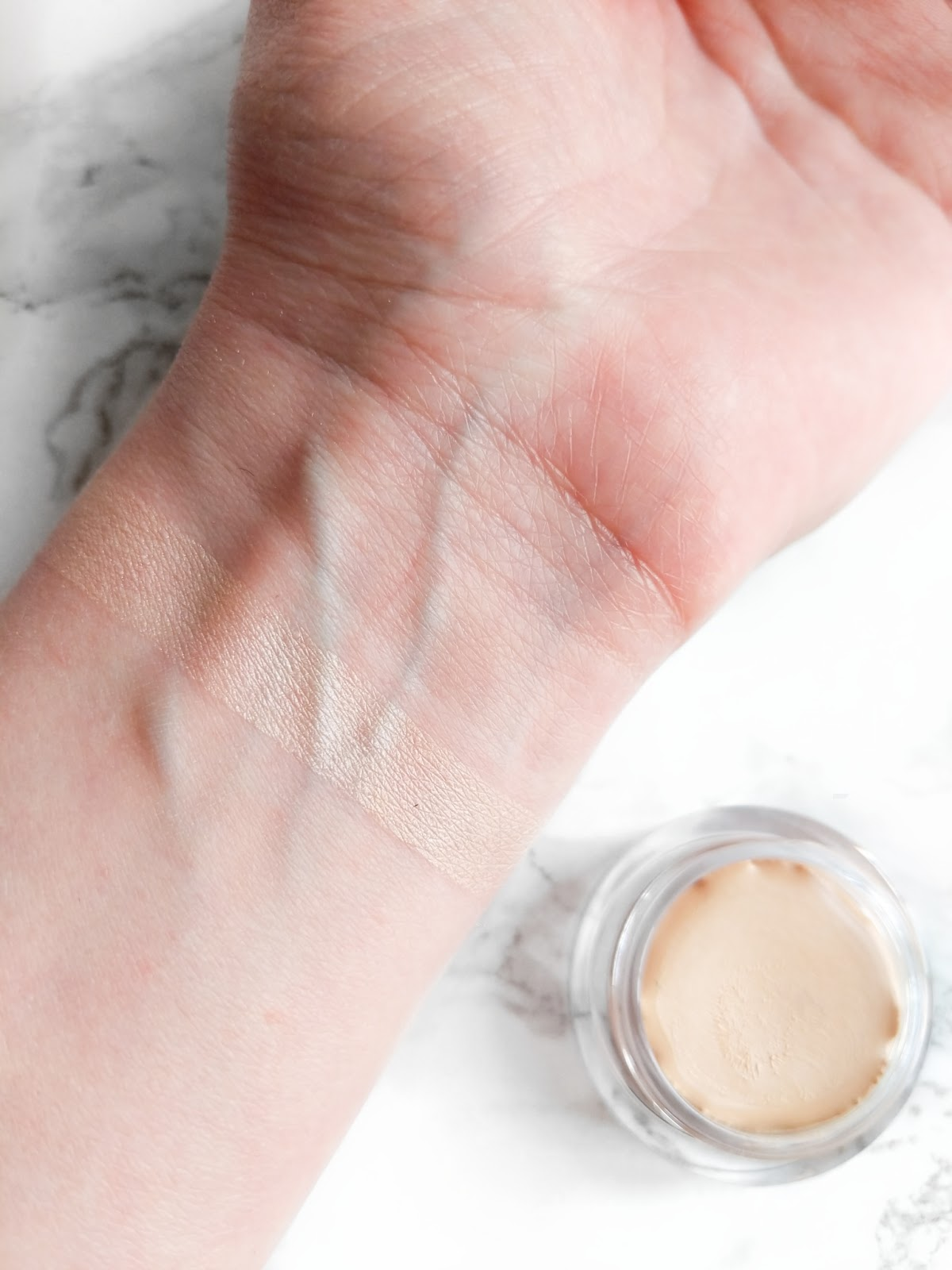 Image of Trinny London The Right Light Highlighter swatch in shade Stardust
