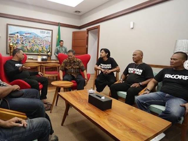 Wali Kota Bandung Akan Nonton Film Preman Pensiun
