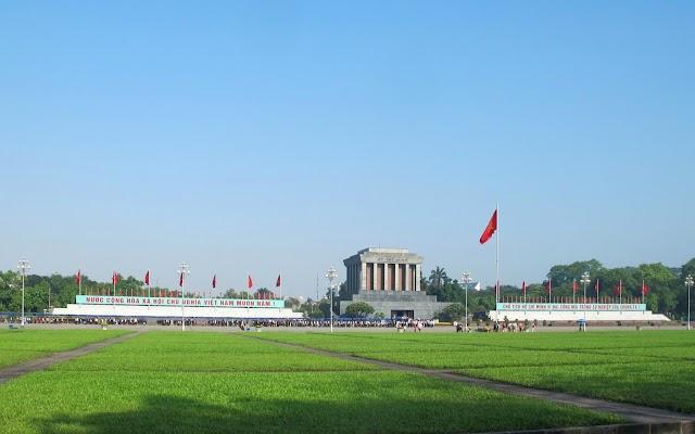 Uncle Ho's mausoleum - Ba Dinh Square