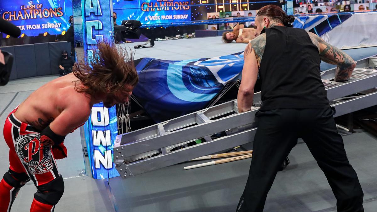 WWE confirma mudanças em importante combate do Clash of Champions