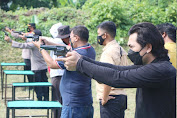 Tingkatkan Kemampuan, Personel Polres Enrekang Ikuti Latihan Menembak