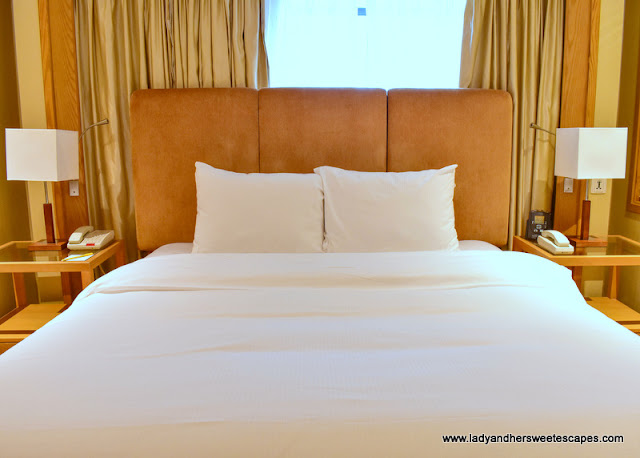 Hilton Garden Inn Hanoi room