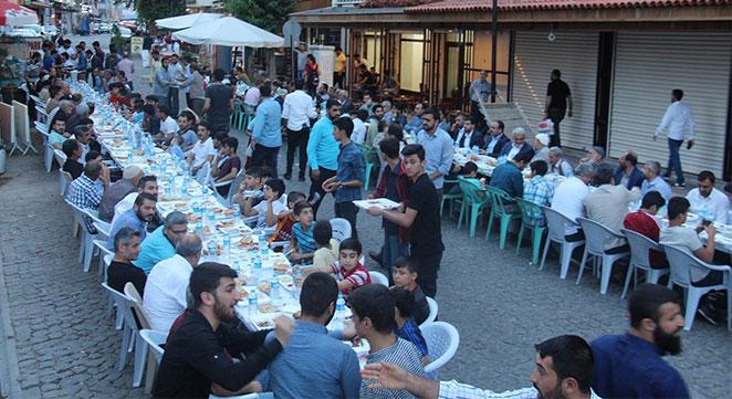Sahabe Der Diyarbakır'da iftar yemeği verdi
