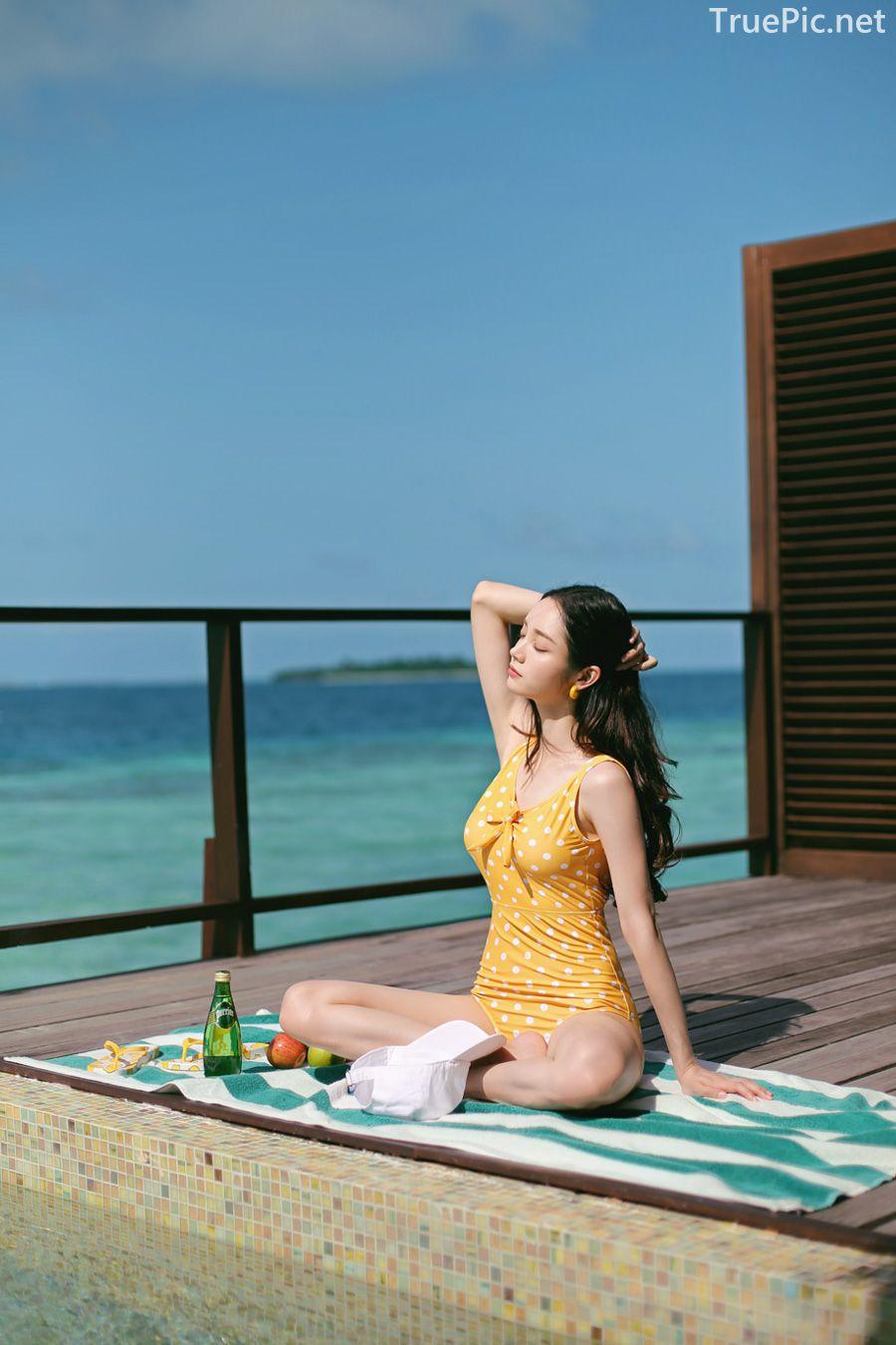 Korean fashion model Jeong Hee - Everyone once a monokini - Picture 9