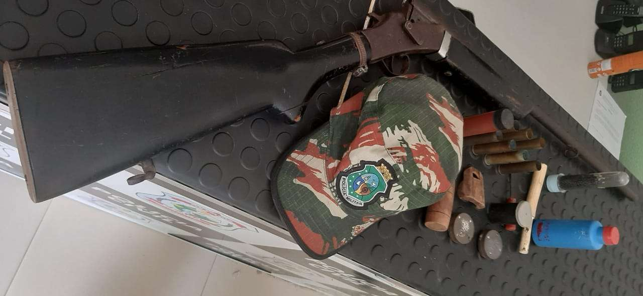 Policiais Ambientais apreendem espingarda, munições e apetrechos de caça em Milagres